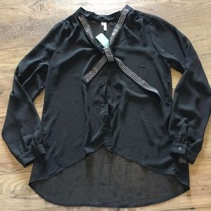 STUDIO Y for MAURICES Black Sheer Top Blouse M NWT